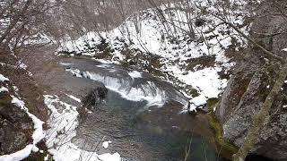 厳冬のすだれ滝